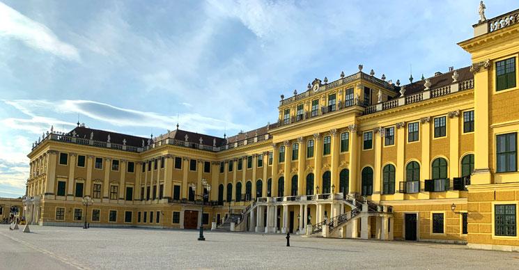 シェーンブルン宮殿の外観