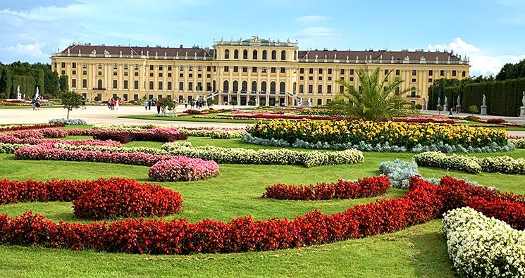 シェーンブルン宮殿と庭園の景観