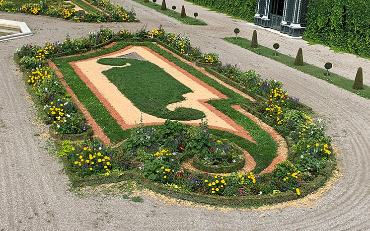 プライベートガーデンの花壇