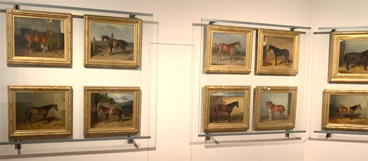馬車博物館 絵画の展示コーナー