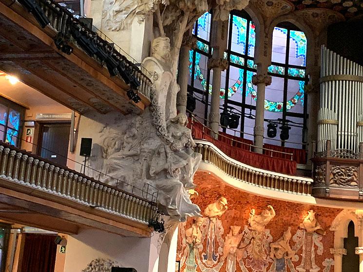 コンサートホールの装飾