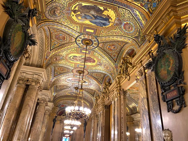 アヴァン・フォワイエ 天井のモザイク画