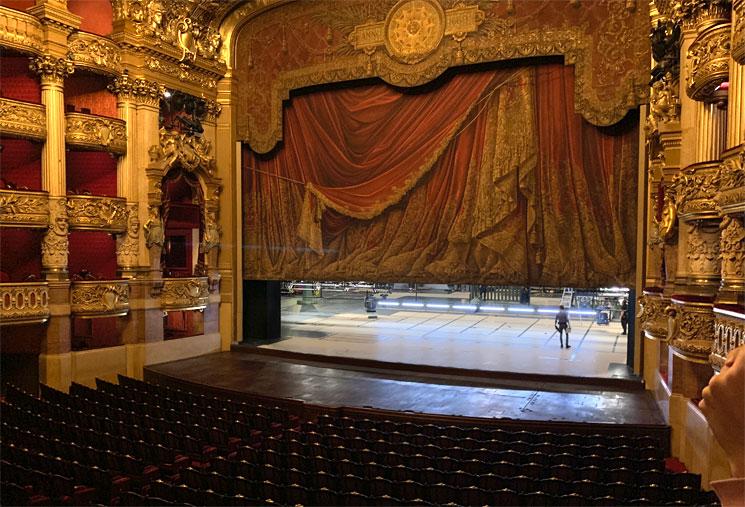 劇場ホール 公演の準備風景