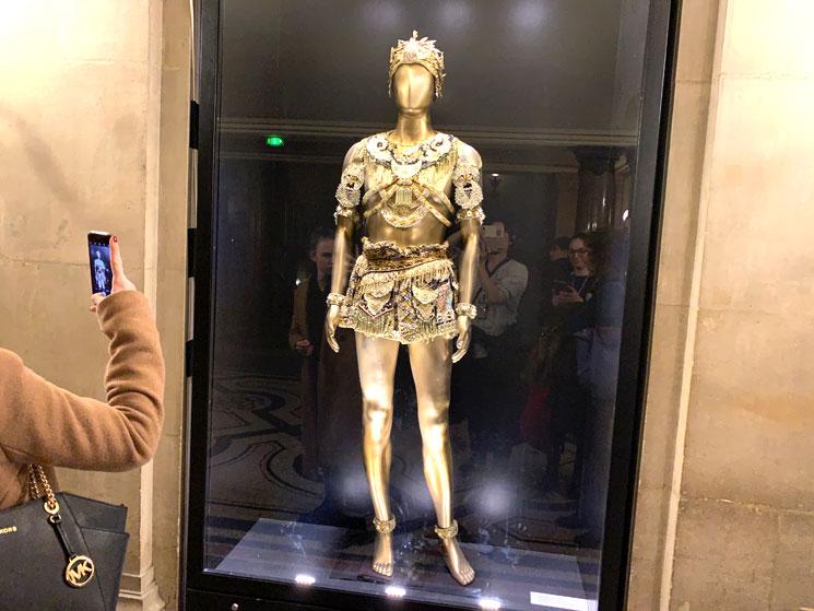 オペラ座館内の展示衣装