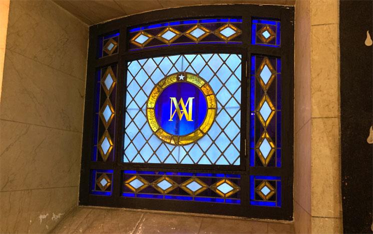 マリー・アントワネットの記念礼拝堂のステンドグラス