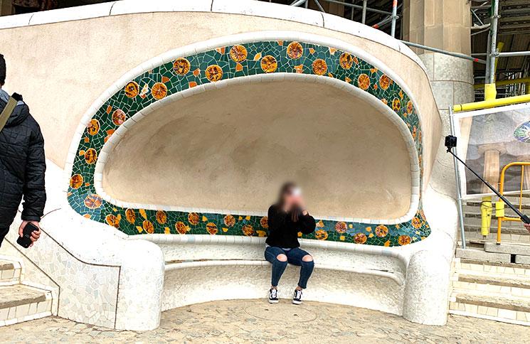 グエル公園 大階段の半円型ベンチ