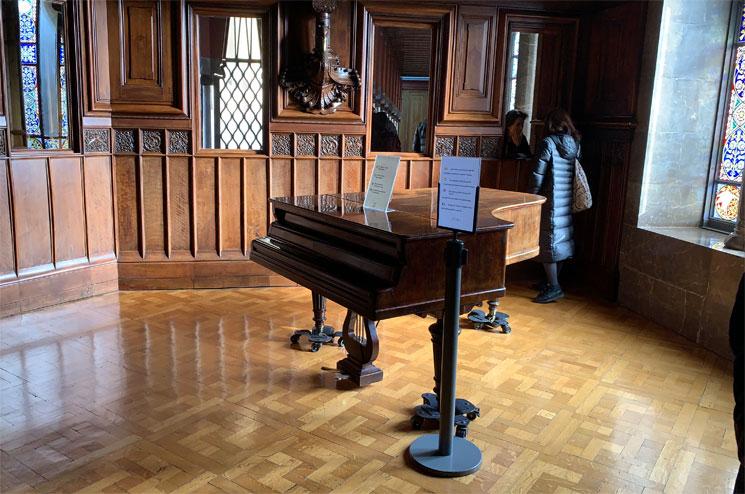 グエル邸 ピアノの練習部屋