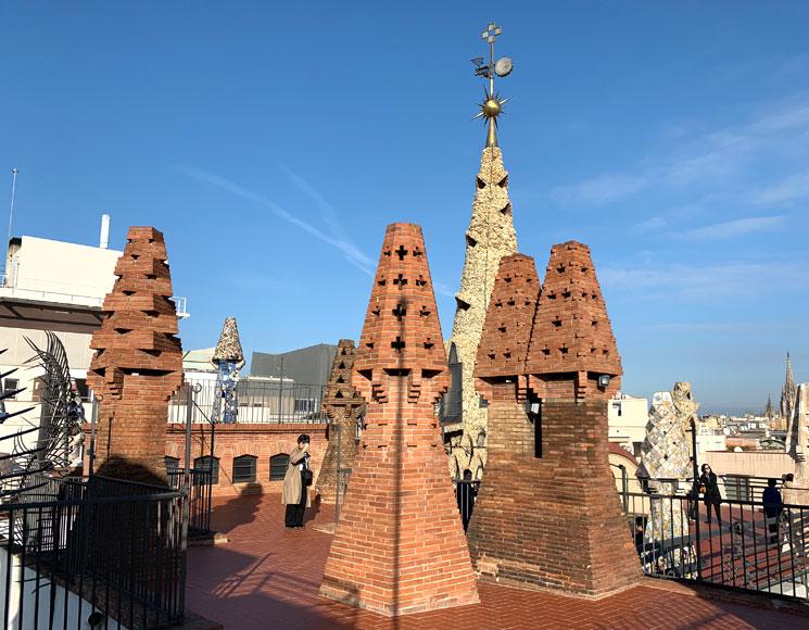 グエル邸の屋上 中央塔