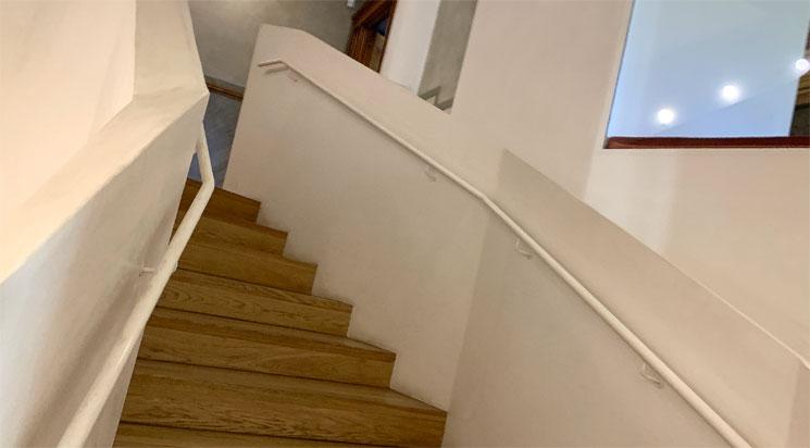カサ・ビセンスの階段