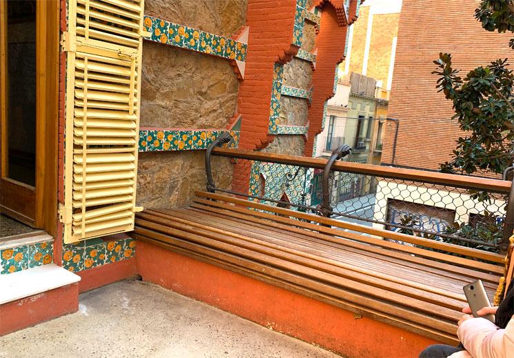 カサ・ビセンスのテラス(The terrace)