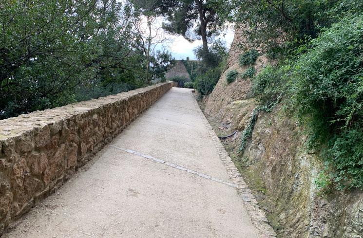 カルヴァリーの丘へと続く道