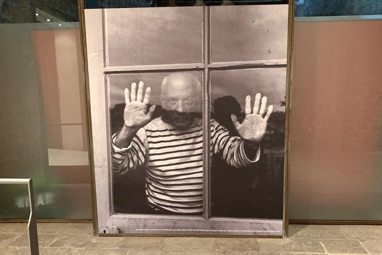 ピカソ美術館内 ピカソの写真ボード