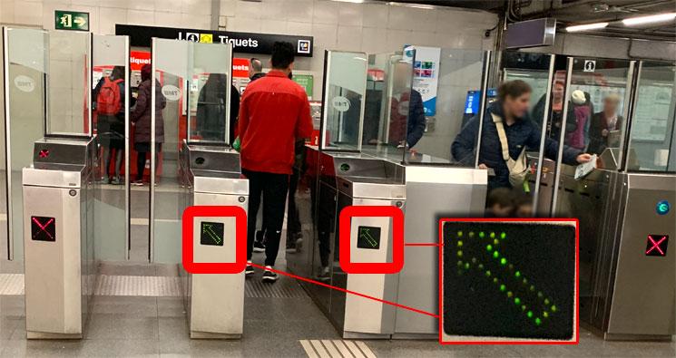 バルセロナ 地下鉄の改札機