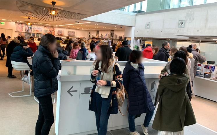 オランジュリー美術館 地下1階 ライブラリーショップ・カフェ