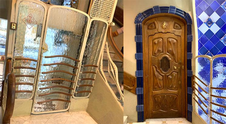 ガウディデザインのドアとエスカレーターの扉