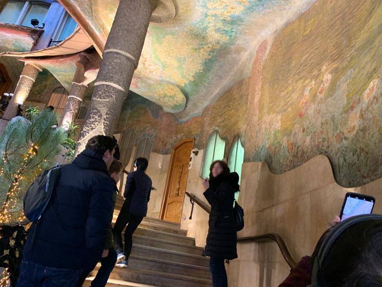 カサ・ミラ 中庭の階段