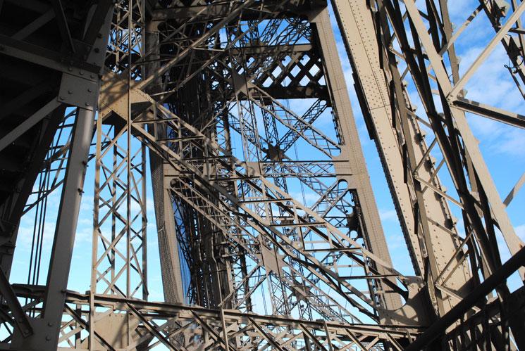 エッフェル塔の鉄骨