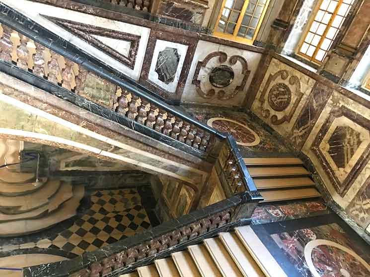 王妃の階段