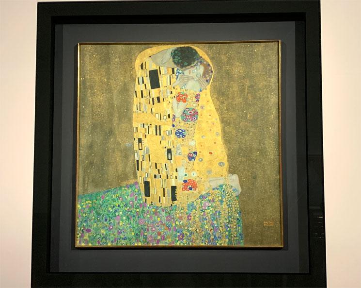 グスタフ・クリムト作「接吻 - The kiss」