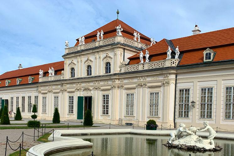 ベルヴェデーレ宮殿 下宮