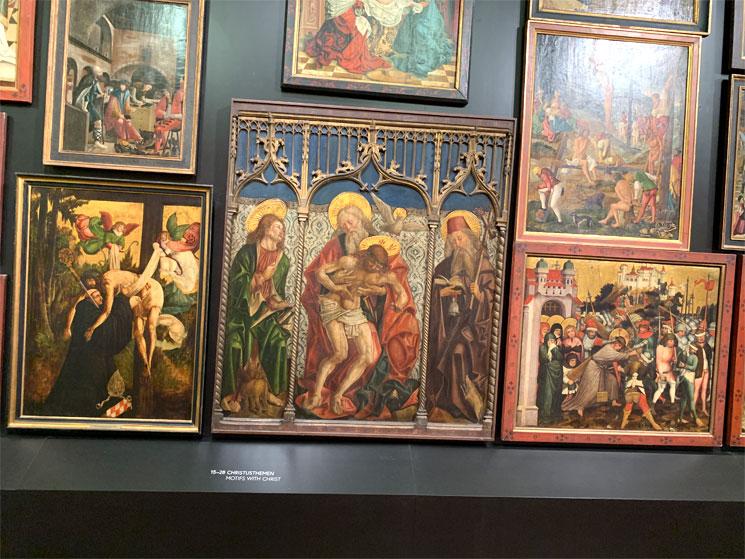 下宮 厩舎の展示絵画